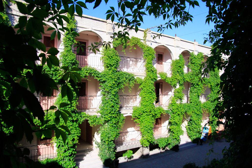 Зеленая стена Корпуса 2